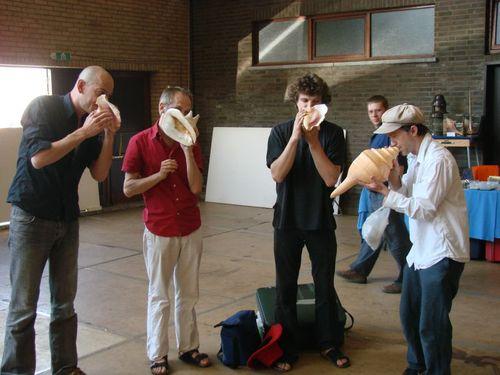 Belgijski kwartet ?Special Choir ? shell orchestra? w akcji.