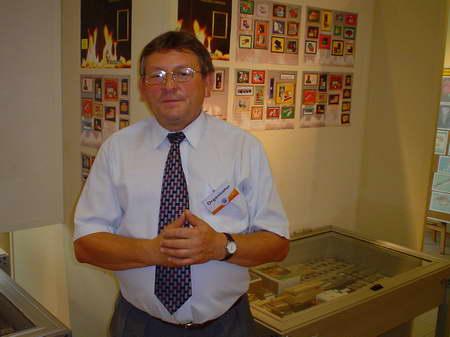 Pan Piotr Tobór zaprezentował ponad 2200 etykiet i pudełek zapałczanych z 40 państw świata.